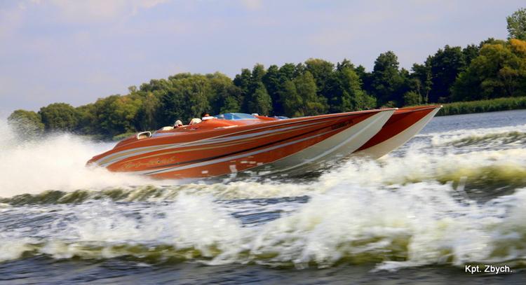 Szybkie morskie łodzie